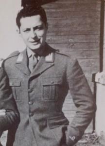 Gianni Agnelli nel 1942.