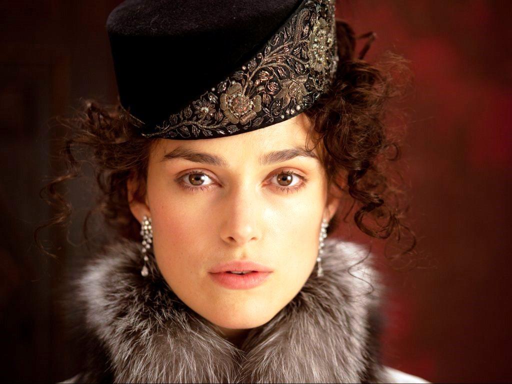 """ANNA-KEIRA! L'attrice Keira Knightley nei panni di """"Anna Karenina"""" nell'ultima versione cinematografica."""