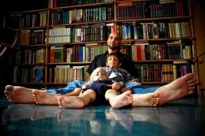 Zachar Prilepin e i suoi figli.