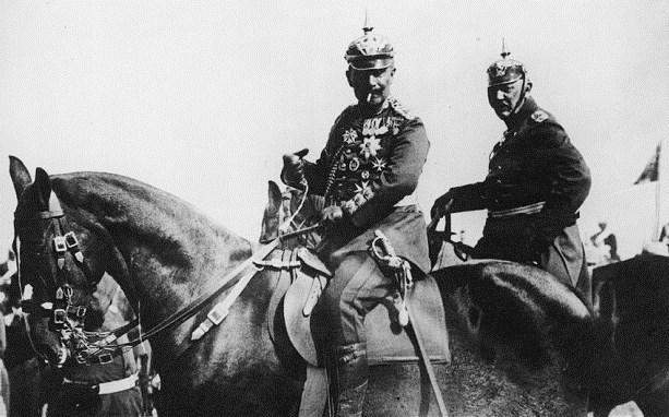 Il Kaiser Guglielmo II e il generale Helmuth Johann Ludwig von Moltke, noto anche come von Moltke il giovane, Capo di Stato Maggiore, alla viglia della Grande Guerra.