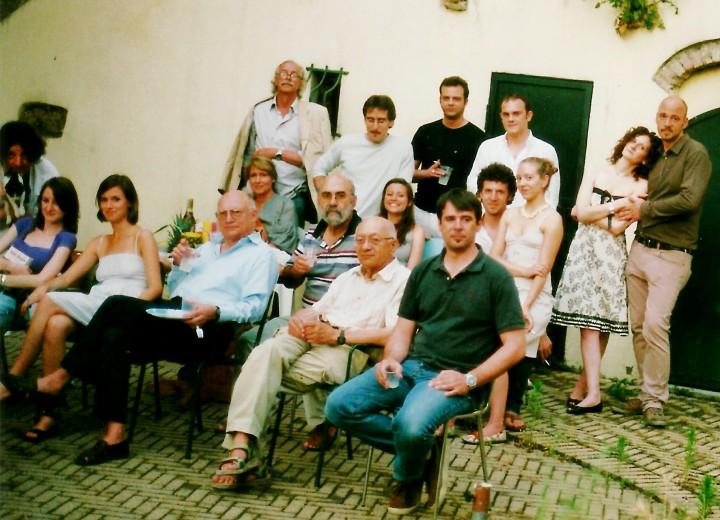 Klaus G. Renner e un gruppo di amici a Casorzo, nel Monferrato. Estate 2008. Autoscatto di Roberto Coaloa (il primo a sinistra con la gatta Jean).