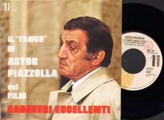 """Raro 45 giri del tango di Astor Piazzolla nel film """"Cadaveri eccellenti"""" di Francesco Rosi."""