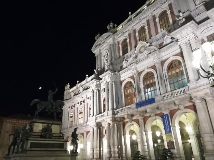 Piazza Carlo Alberto e l'ingresso del Museo Nazionale del Risorgimento italiano. Torino. Gennaio 2019.